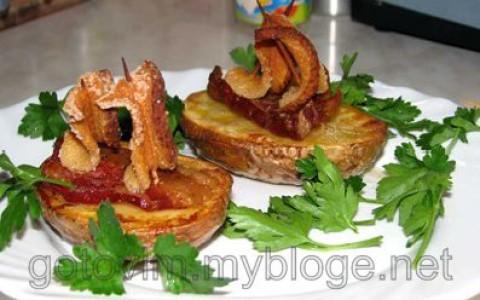 Картошка запеченная с салом