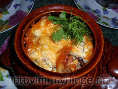 Жаркое в горшочках с грибами и мясом