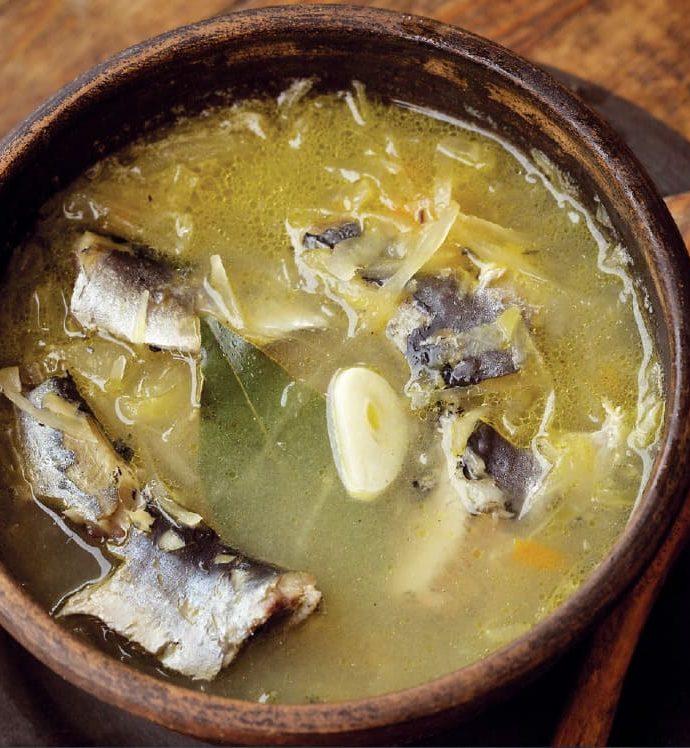 Рыбные щи из капусты