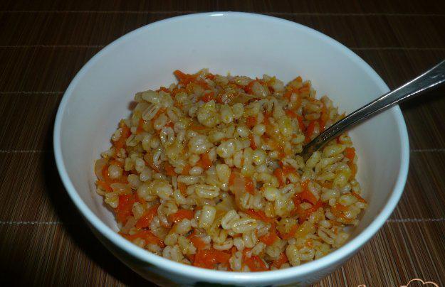 Перловая каша с морковью и кореньями