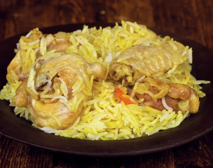 Рассыпчатый рис с курицей