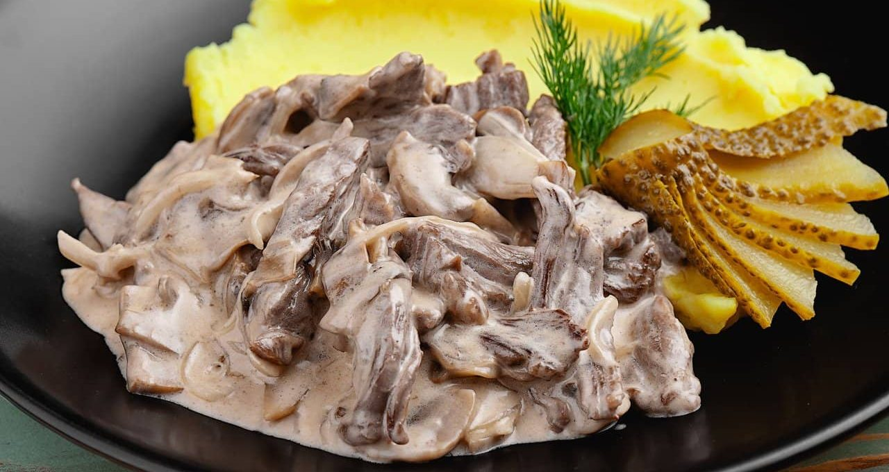 Бефстроганов из отварного мяса рецепт