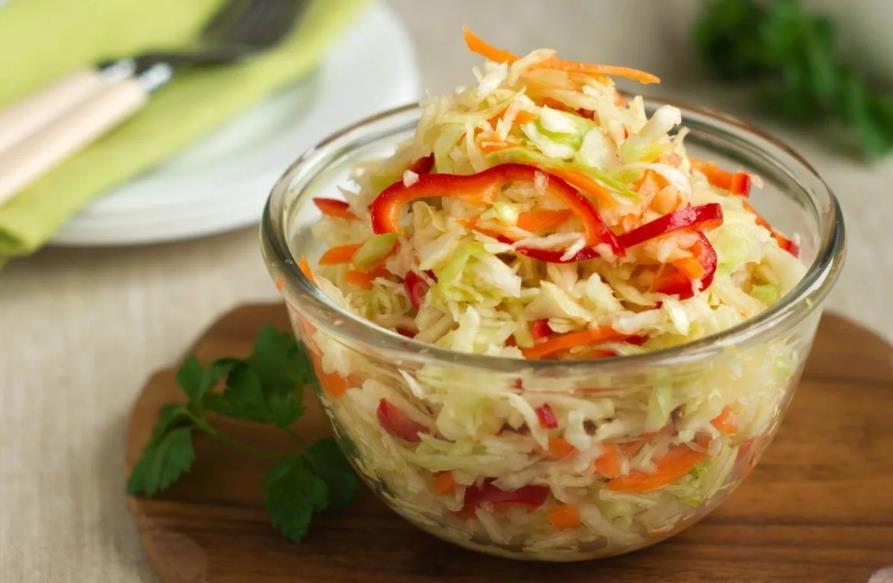 Зимний салат из капусты перца моркови и лука на зиму