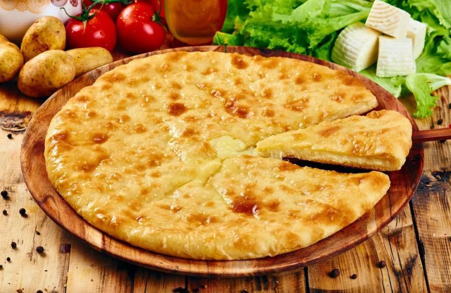 Картофджын – осетинский пирог с картофелем и сыром