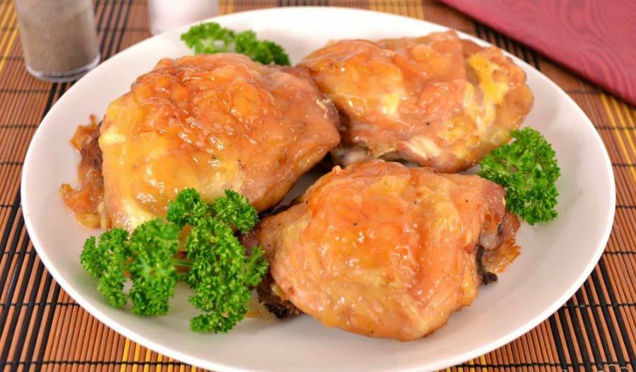 Запеченные куриные бедрышки с сыром