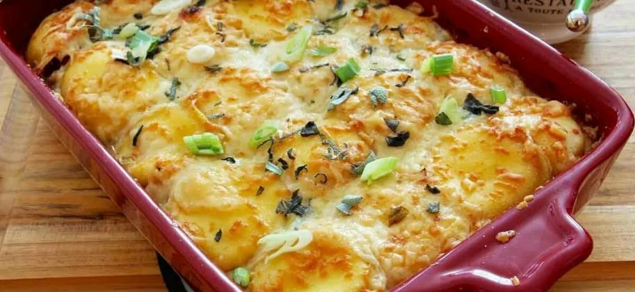 Картофель, запеченный с сыром и беконом