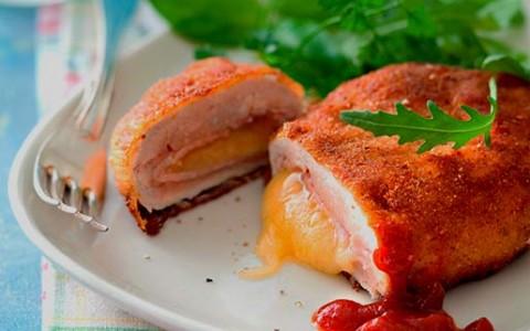 Кордон блю из курицы со сливочным соусом